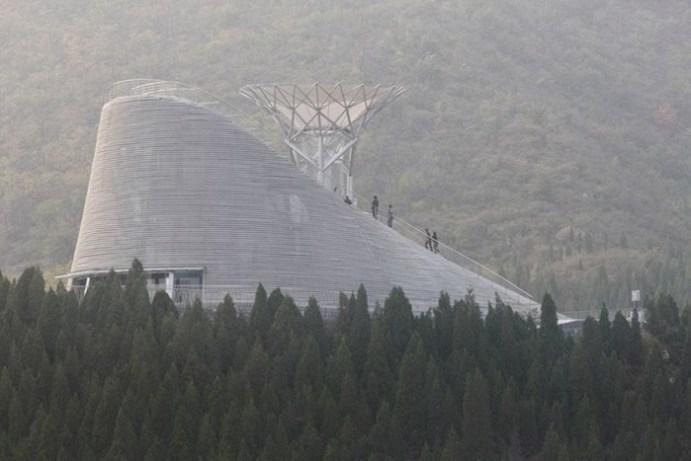В Китае построили храм, в котором смогут летать монахи