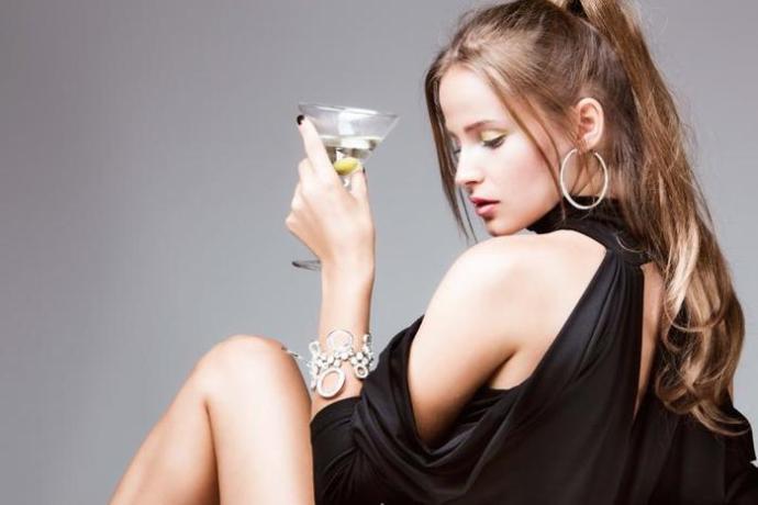 Узнай, что она пьет: по вкусам можно сразу понять, с кем имеешь дело