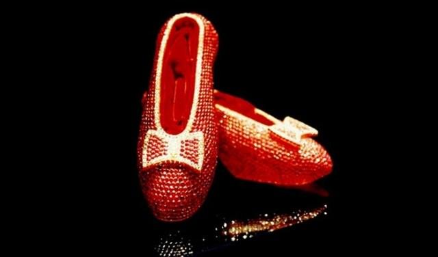 Наслаждение и боль: 12 невероятных фактов о туфлях
