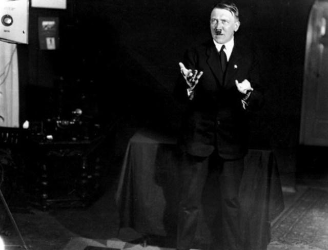 Що говорив Гітлер у своїх промовах