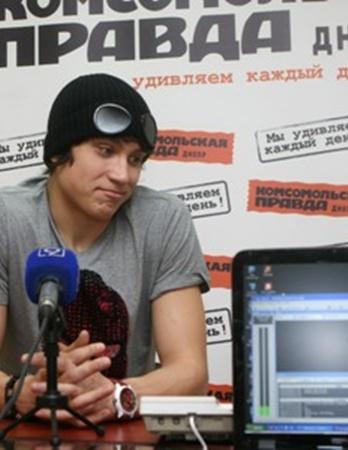 Ирина Козубенко задает вопрос суперфиналисту «Фабрики звезд»