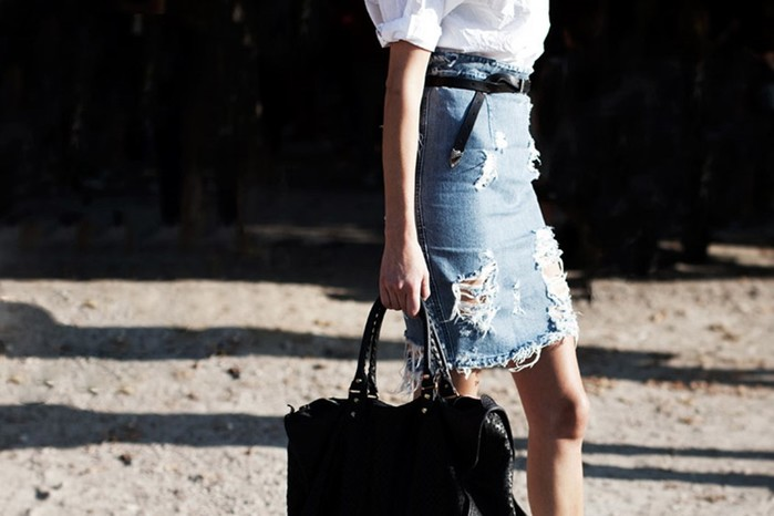 С чем носить джинсовую юбку карандаш