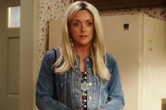 Jane Krakowski as Jackie Lynn, a Native American from South Dakota in unbreakable kimmy schmidt