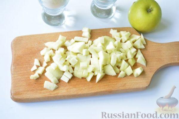 Рецепт: Шарлотка с яблоками (в хлебопечке) на RussianFood.com