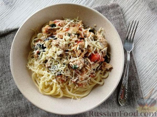 Рецепт: Спагетти с консервированным лососем и овощами на ...