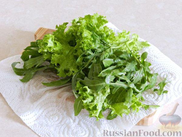Рецепт: Тёплый салат из куриной печени с яблоком и ...