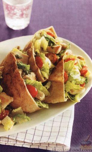 Рецепт: Пита с салатом из куриного мяса и овощей на ...