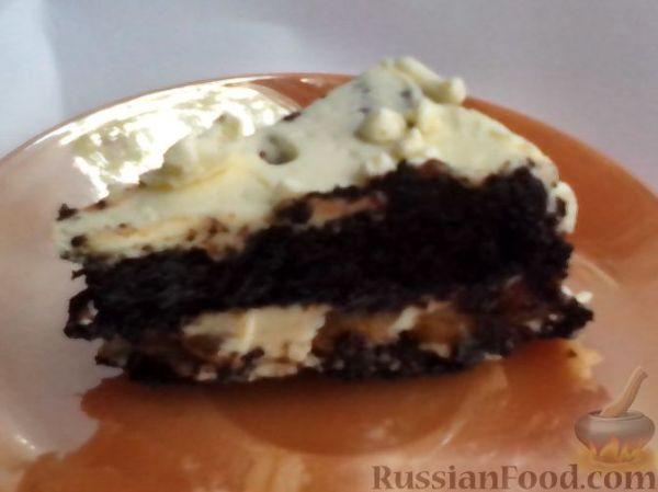 Рецепт: Торт из шоколадного бисквита с бананами и масляным ...