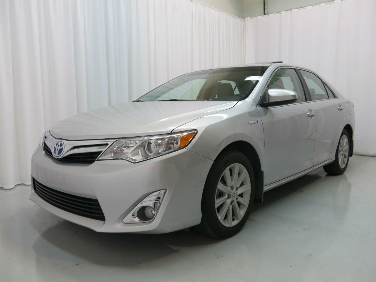 2011 Toyota Camry Grey Interior