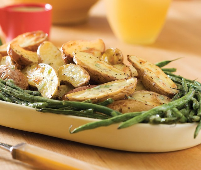 Roasted Fingerlings And Green Beans With Creamy Tarragon Dressing