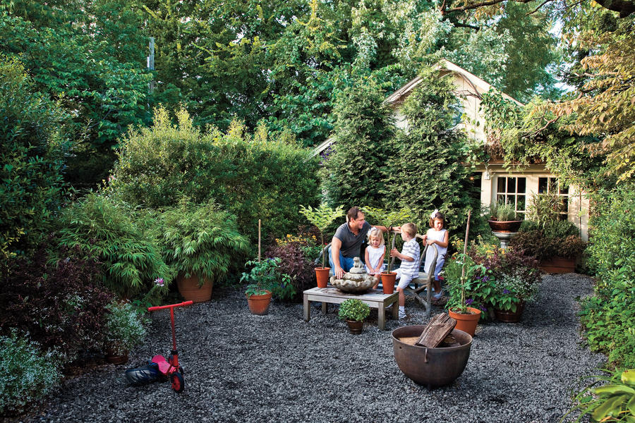 Graveled Courtyard - Budget-Friendly Backyard Landscaping ... on Courtyard Ideas On A Budget id=27443