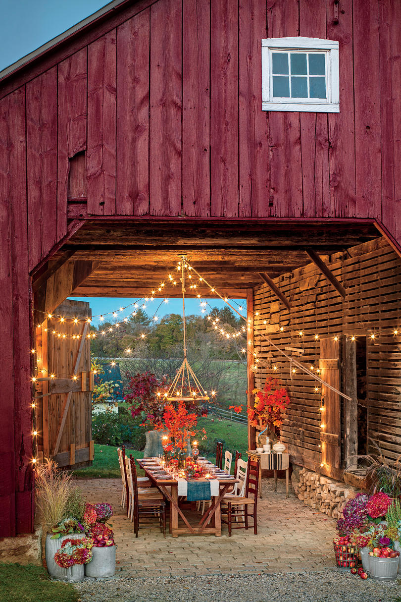 Classic Courtyards - Southern Living on Southern Outdoor Living id=72648
