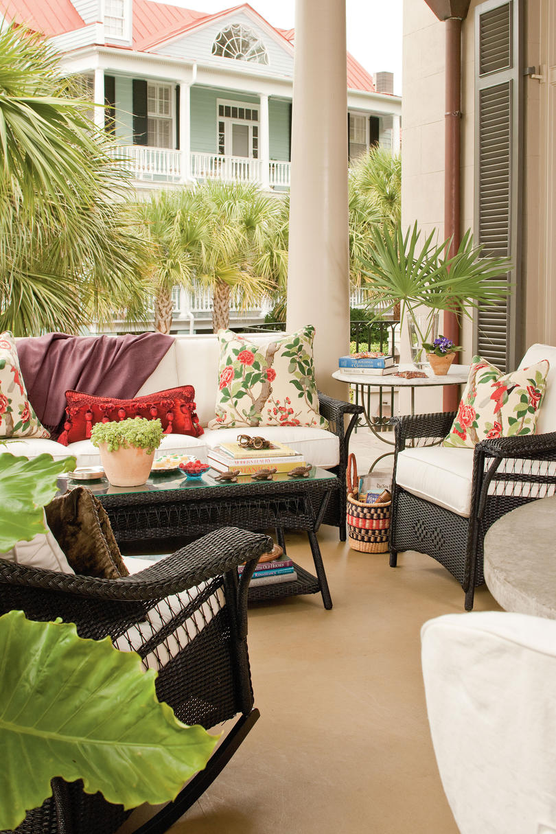 Beach Decorating Ideas: Outdoor Spaces - Southern Living on Southern Outdoor Living id=96441