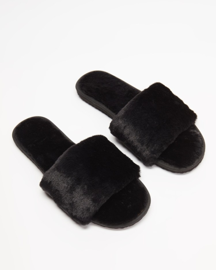 SPURR Snuggly Slippers & Accessories Black Fluff