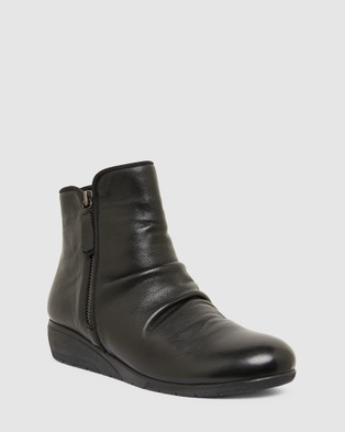 Easy Steps Wedge Boots