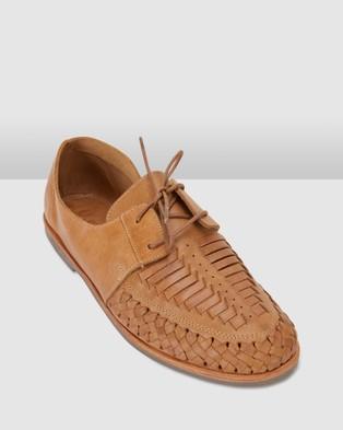 Urge Taj Casual Shoes Tan