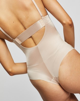 Spanx - Suit Your Fancy Plunge Low Back Thong Bodysuit - Lingerie Accessories (Champagne Beige) Suit Your Fancy Plunge Low-Back Thong Bodysuit