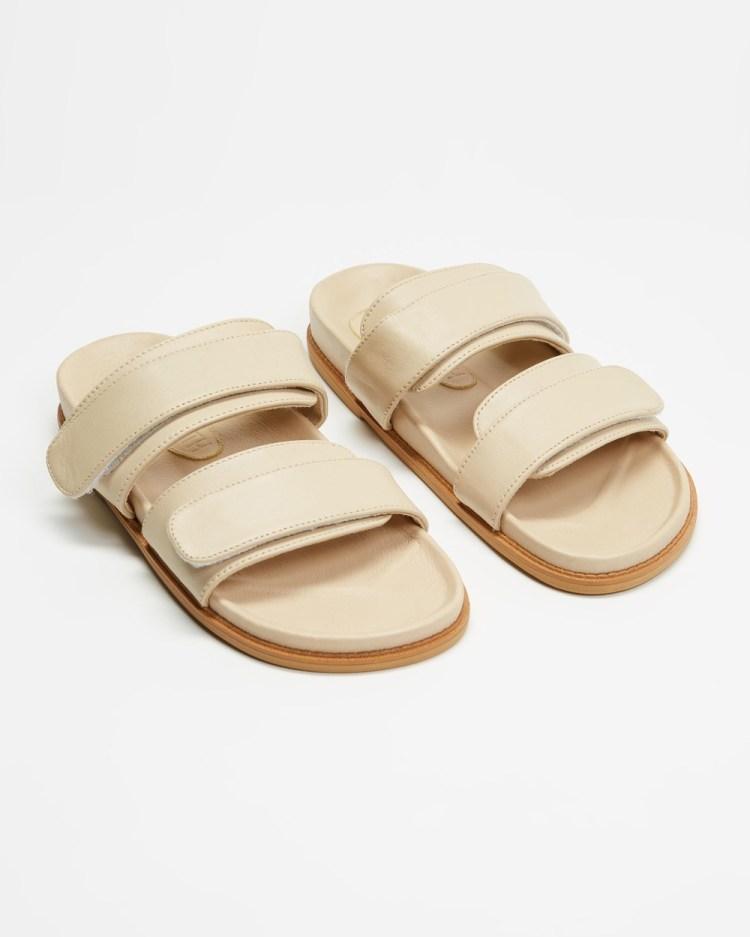 JAMES   SMITH Izano Slides Sandals Nude