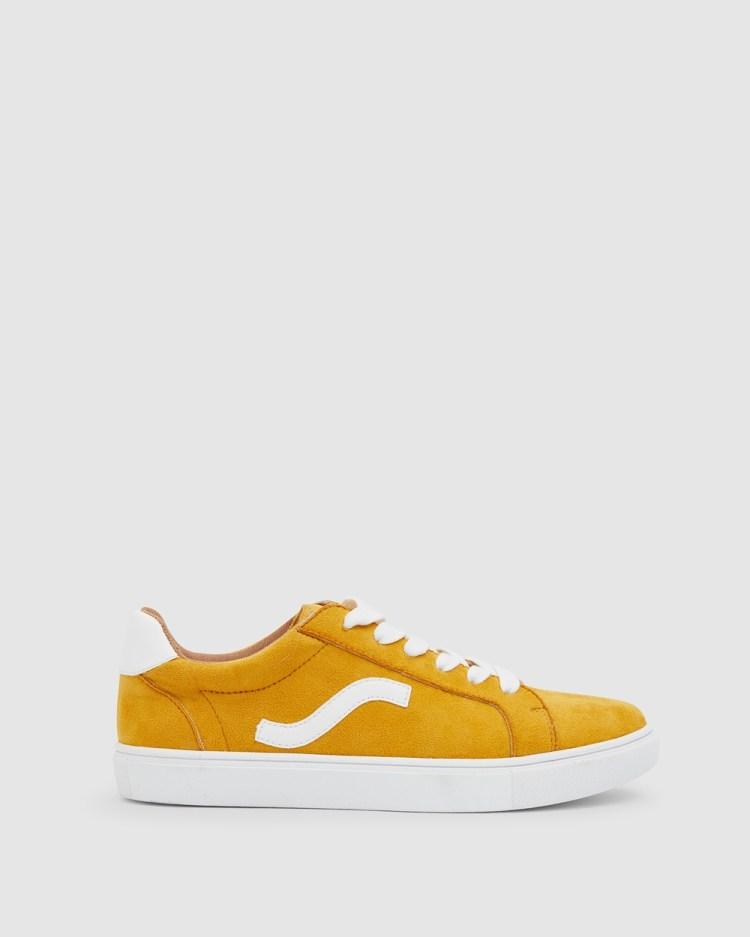 Sandler Swerve Sneakers Mustard