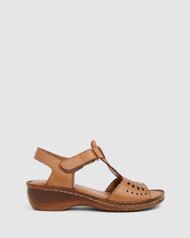 Wide Steps Dario Heels Tan Glove