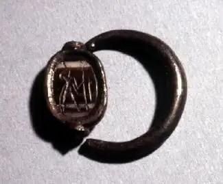 Resultado de imagen de anillo egipcio  museo malaga