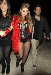 Carmen Electra leggy and cleavagy in lingerie partying at Viper Room in West Hollywood - Hot Celebs Home