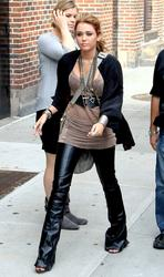 Miley Cyrus visits the Late Show With David Letterman in New York - Hot Celebs Home