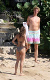Sienna Miller show off her body in skimpy bikini at the beach in Barbados - Hot Celebs Home