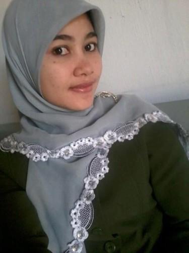 camwhore hijab