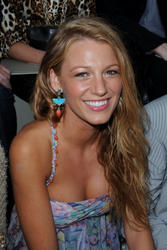 Blake Lively leggy and cleavagy during  Chanel Haute Couture Fall-Winter 2010-2011 collection in Paris - Hot Celebs Home