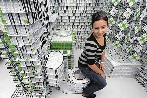 51474745 - Un hotel hecho con más de 200.000 tarjetas llave