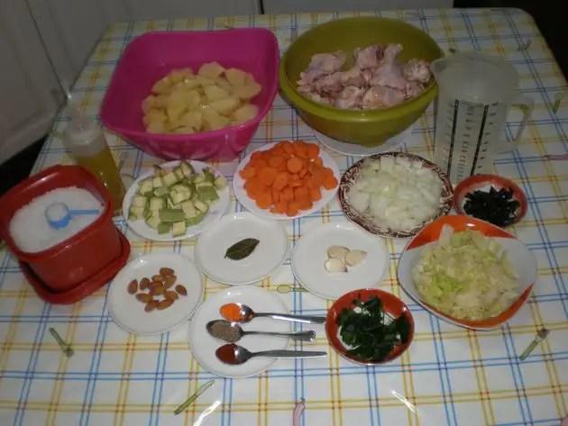 Ingredientes para guiso de jamoncitos con machacado de almendras