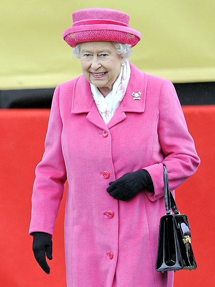 Royal Baby: Queen Elizabeth Wears Pink After Great-Granddaughter Born