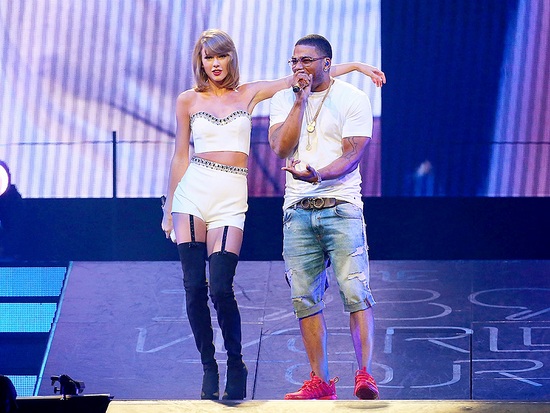 Taylor Swift and Haim Perform 'Hot in Herre' with Nelly in St. Louis