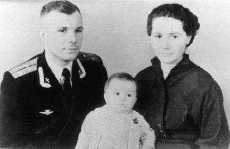 Yuri Gagarin and Valentina Ivanovna Goryacheva - Dating ...