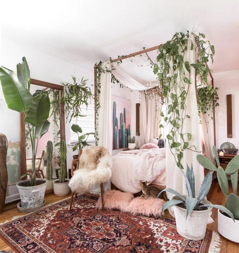 Small-Space Decor Tips From This Gorgeous Boho Apartment ... on Boho Room Decor  id=83072