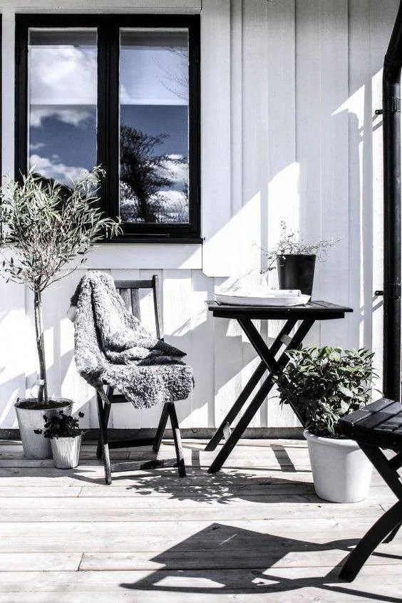 Best Patio Ideas To Decorate Outdoor Space Summer 2018 on Myliving Outdoors  id=79827