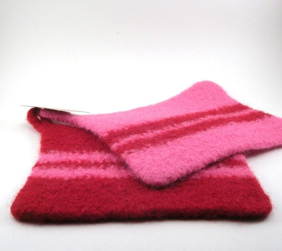 Felted Wool Pot Holder Pair - red and pink