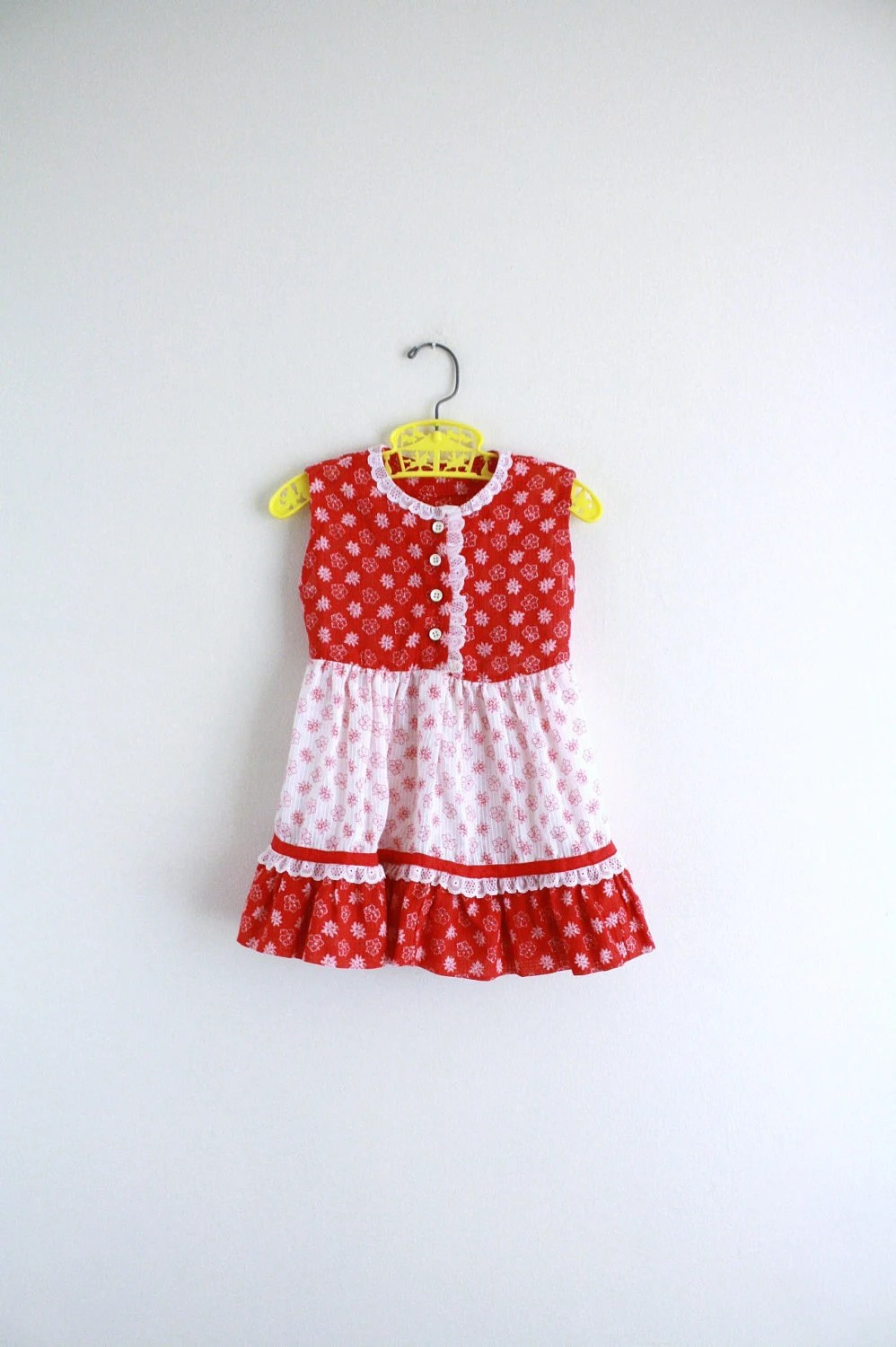Little Girls Red White Calico Dress . Sundress . Floral . 60s . 2T . Clothing