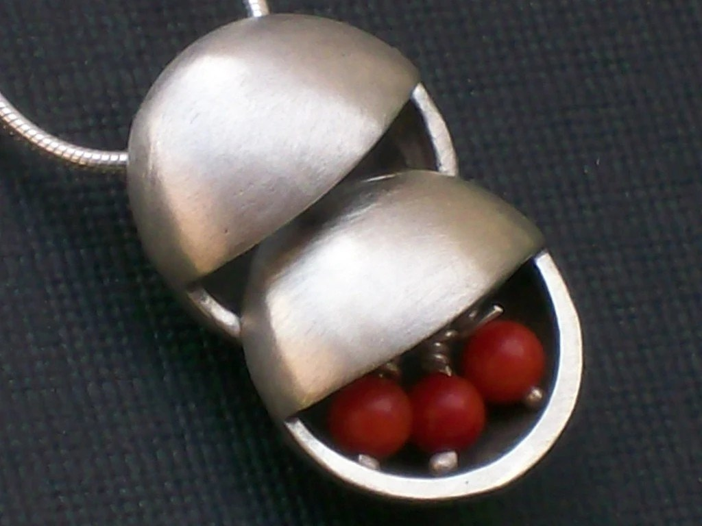 Red Coral Sterling Silver Circles Pendant Necklace - sonyarasi