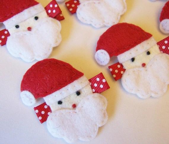 Santa Claus Felt Hair Clip - A cute Christmas clippie - Winter hair clips - Seasonal hair bows