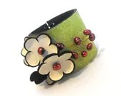 Leather bracelet with pearls Leather jewelry - julishland