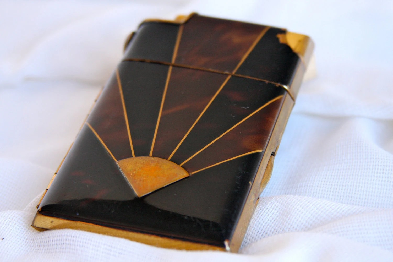 Vintage Art Deco Marathon Cigarette Case with Built-in Lighter - Fan Nameplate