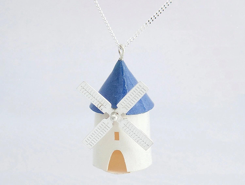 Laura des Villes delightful jewellery