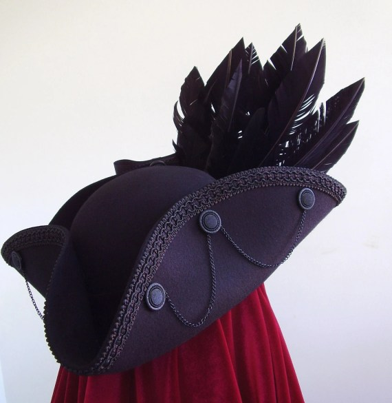 Raven winged Tricorn neo18th century  medieval - Blackpin