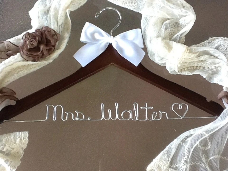 SWEETHEART SALE SALE - Personalized Wedding Hanger / bridesmaid gifts / 44 colors of ribbon to choose from/name hanger/brides hanger/