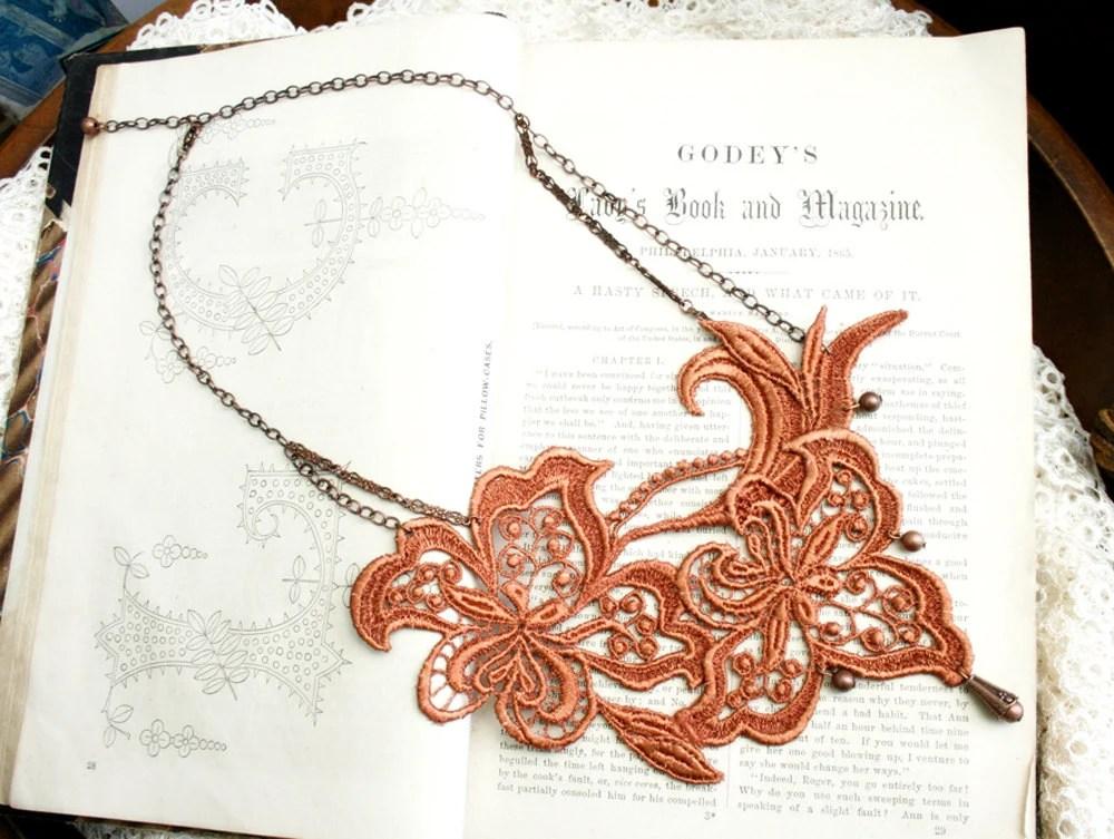 lace necklace -ALEXA- burnt orange