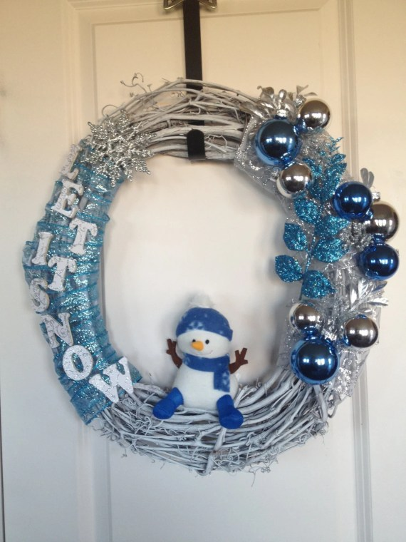 Holiday Wreaths Designs, with characters - AshleysCustomWreaths