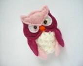 Felt  owl brooch pink white raspberry,  felt bird brooch, felt barn owl pin - ynelcas