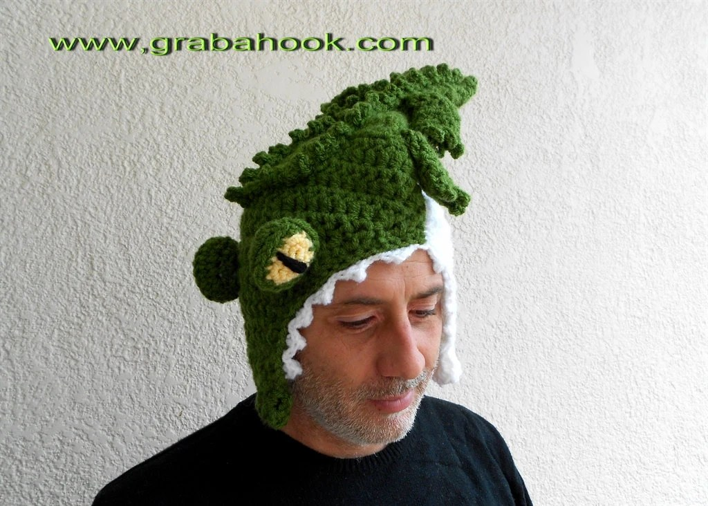 Funny Crocodile hat Eating your Head-Crochet pattern